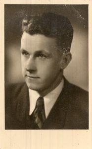 Imanta Reitmaņa foto ap 1942.g.