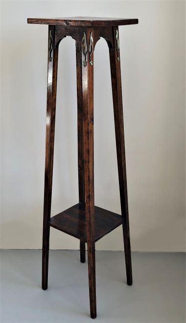 Puķu galdiņš, piederējis profesoram Pāvulam Jurjānam