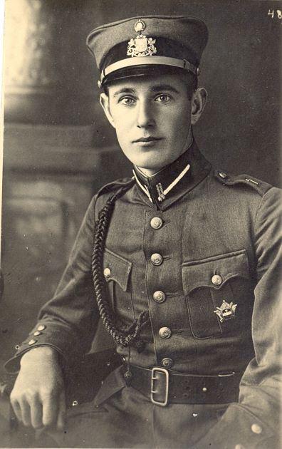 Hugo Birķis Latvijas armijas formā. 1930.gadi
