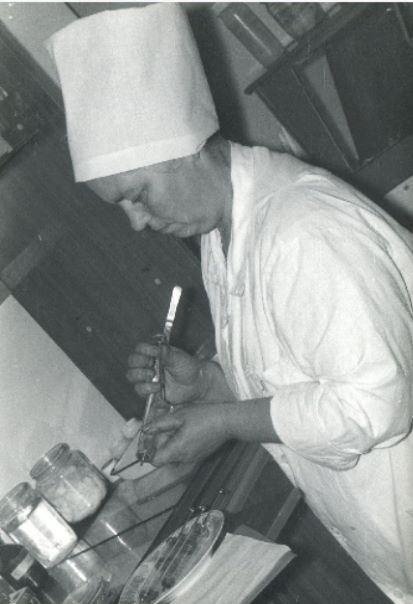Cesvaines slimnīcas vecmāte, medmāsa Daina Ābrama.1988.gads